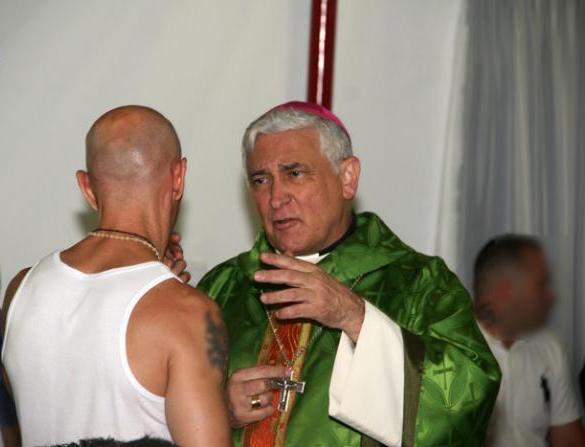 obispo_botafuegos6